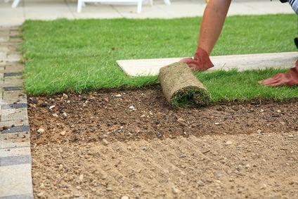 تركيب عشب الصناعي